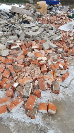 Бой кирпича и бетона